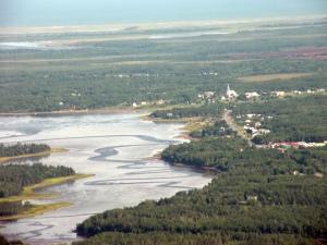 Vue aérienne de Saint-Simon et du fond de la baie éponyme. Crédit: Patrick de Grasse.